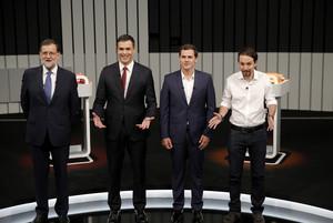 Mariano Rajoy, Pedro Sánchez, Albert Rivera iPablo Iglesias, uns minuts abans de començar 'El debate a 4' que va emetre Antena 3.