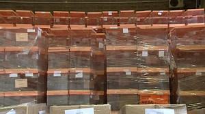 Urnas ya preparadas en el Ayuntamiento de Barcelona para las elecciones al Parlamento de Catalunya 2015 que se celebrarán este domingo 27 de septiembre.