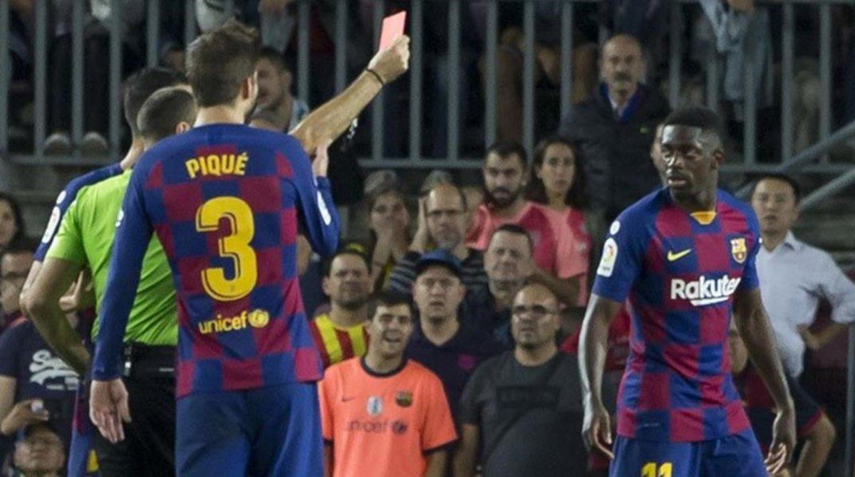Mateu Lahoz expulsa a Dembélé el domingo ante Sevilla.