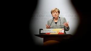 Merkel interviene en el mitin de Dortmund, el 12 de agosto.