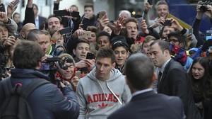 Messi, aclamado por los aficionados en Zúrich.