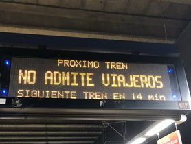Luminoso del Metro de Madrid.