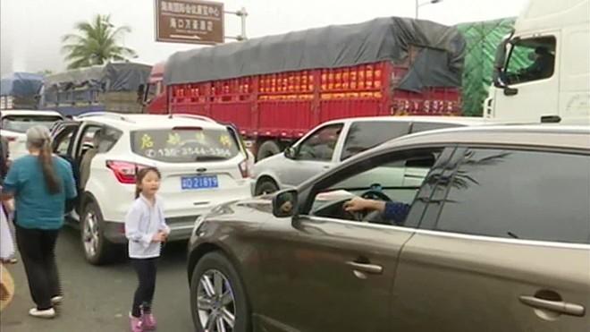 Afecta a decenas de miles de personas que intentan volver a casa después de las vacaciones del Año Nuevo chino.