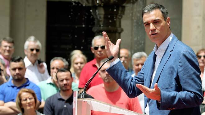 Pedro Sánchez, este jueves, en un actoelectoral en Las Palmas.