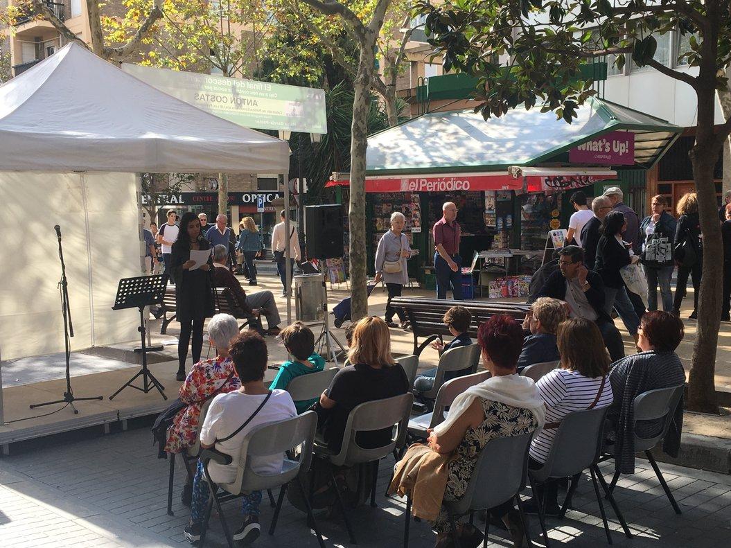 El Festival Acròbates apuesta por llevar la poesía a las calles.
