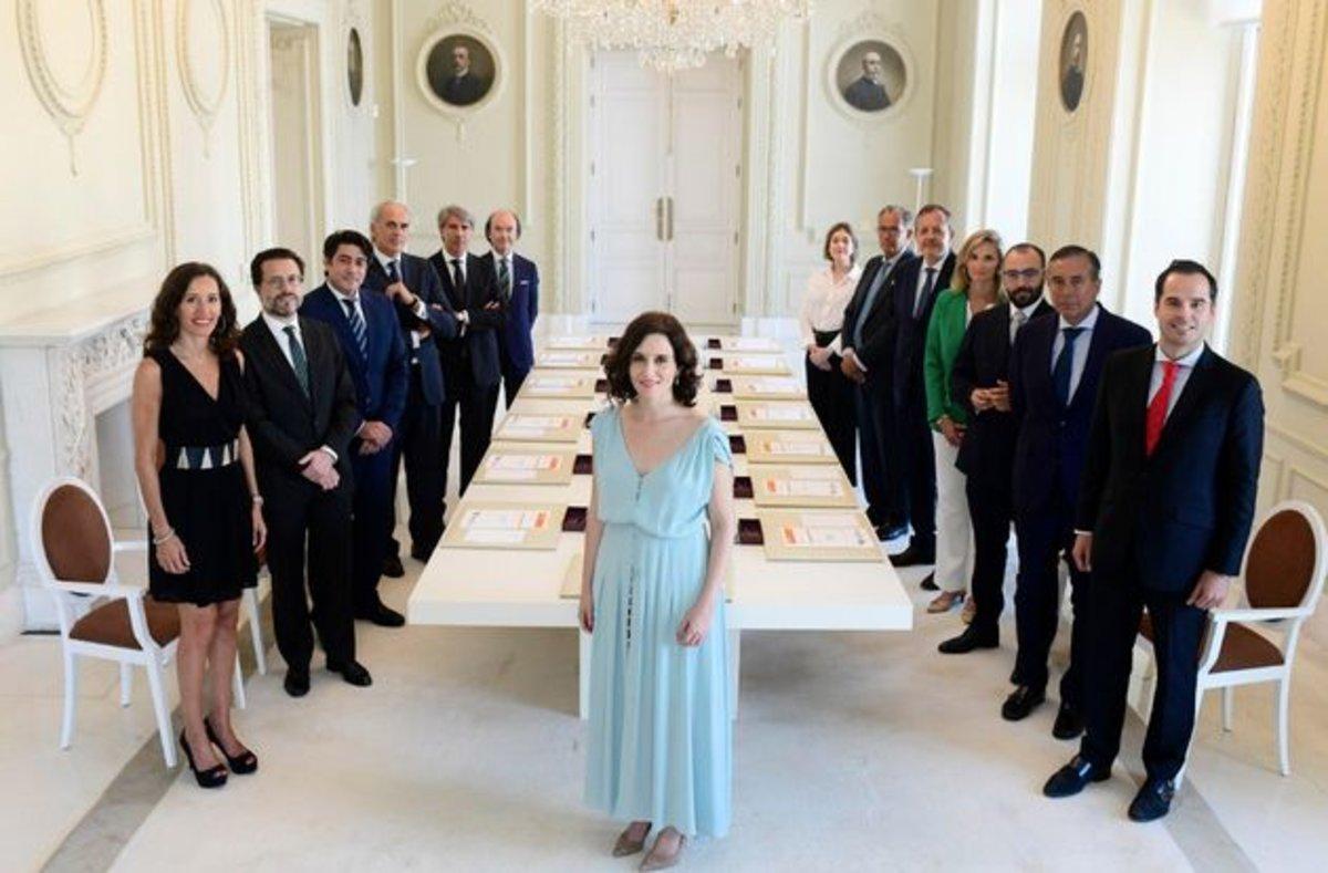 La presidenta de la Comunidad de Madrid, Isabel Díaz Ayuso, durante la primera reunión del nuevo Ejecutivo.