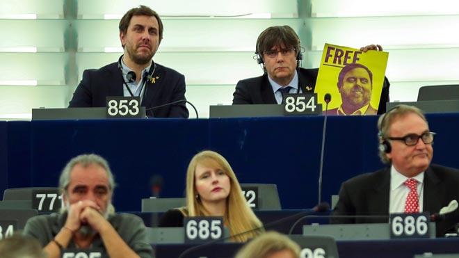 Puigdemont y Comín toman posesión de su escaño en el Parlamento Europeo.