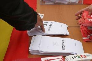 Referéndum popular sobre Monarquía o República en Barcelona, en el2007.