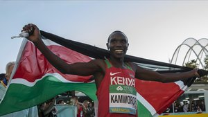 Kamworor, el pasado año después de ganar la media maratón de València.