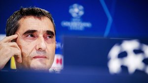 Valverde, en la rueda de prensa de este martes en Eindhoven.