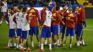 Los jugadores de la selección española, en un entrenamiento.
