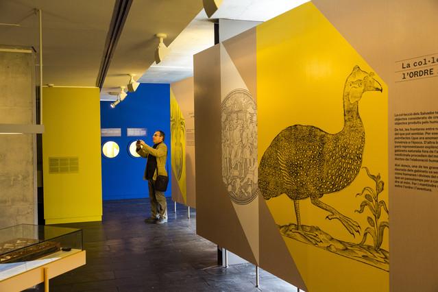 Plafó explicatiu de lexposició Salvadoriana, oberta al públic des daquest dilluns a Barcelona.