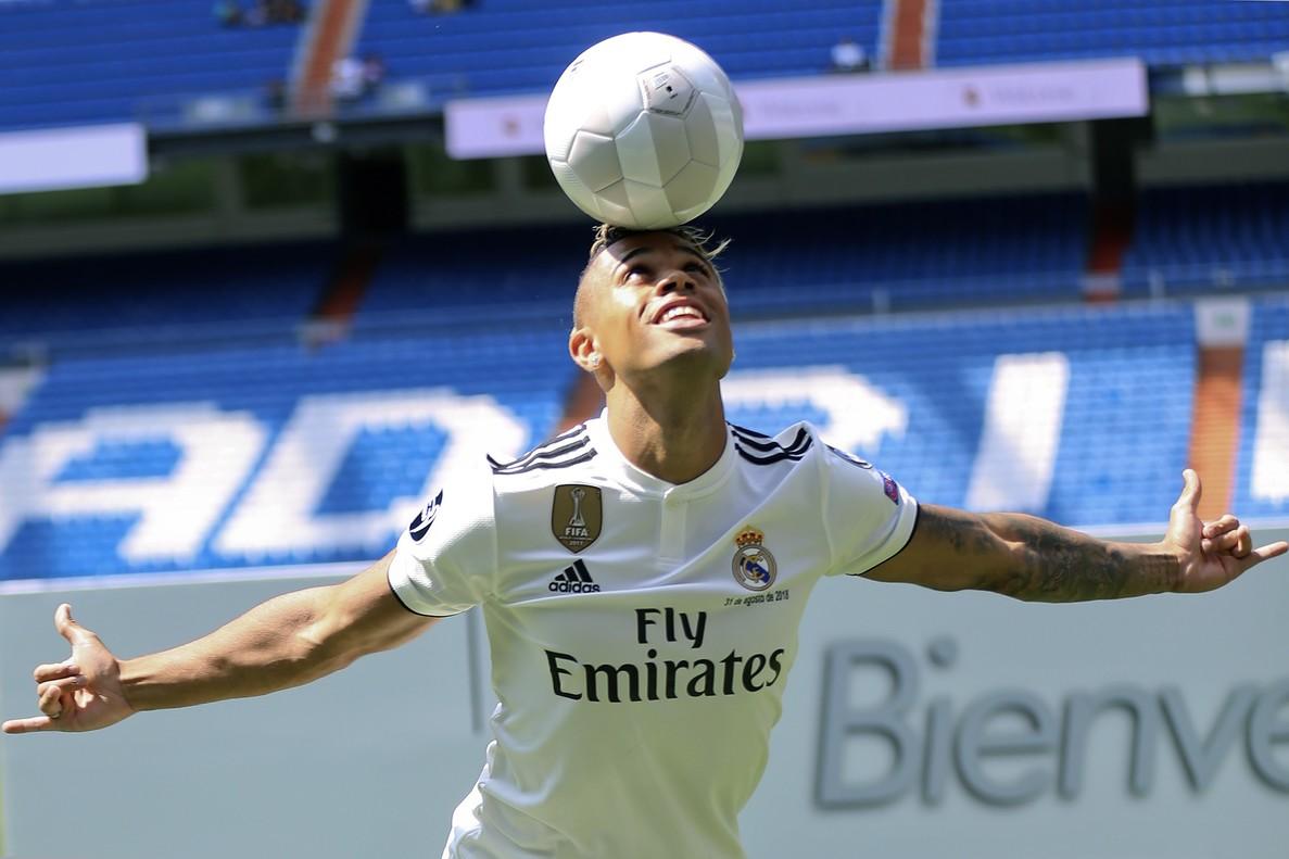 Mariano Díaz durante su presentación con el Real Madrid.