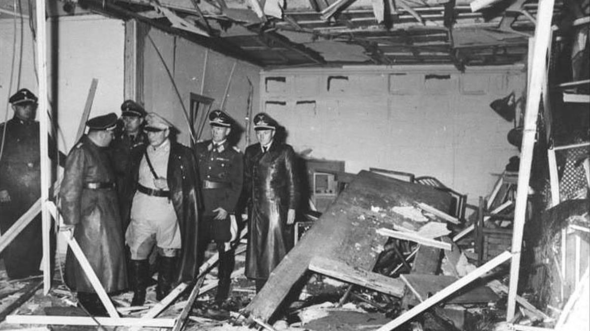 Sala de reuniones de Hitler en la llamada Guarida del Lobo, tras la explosión de la bomba de Stauffenberg, el 20 de julio de 1944.