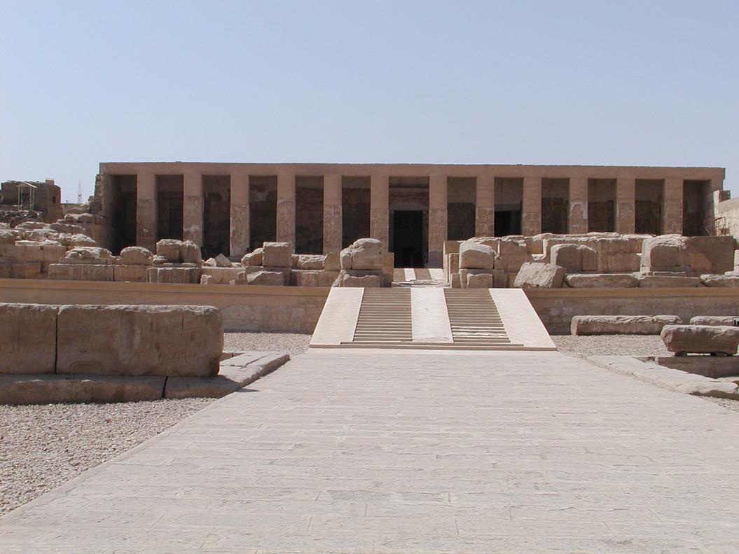 El templo egipcio del faraón Seti I en Abidos.