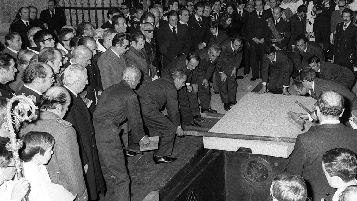 Una imagen del entierro de Franco en el Valle de los Caídos, el 23 de noviembre de 1975.