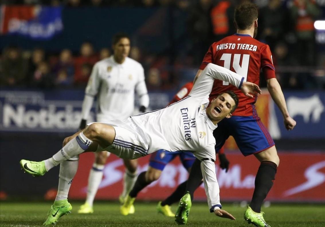 Keylor Navas evita una altra ensopegada del Madrid