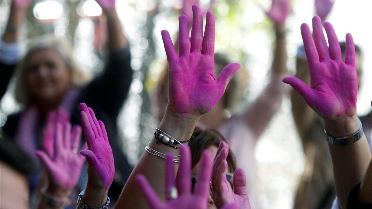 Participantes en un acto celebrado en Córdoba por el día mundial contra el cáncer de mama, en el 2018.