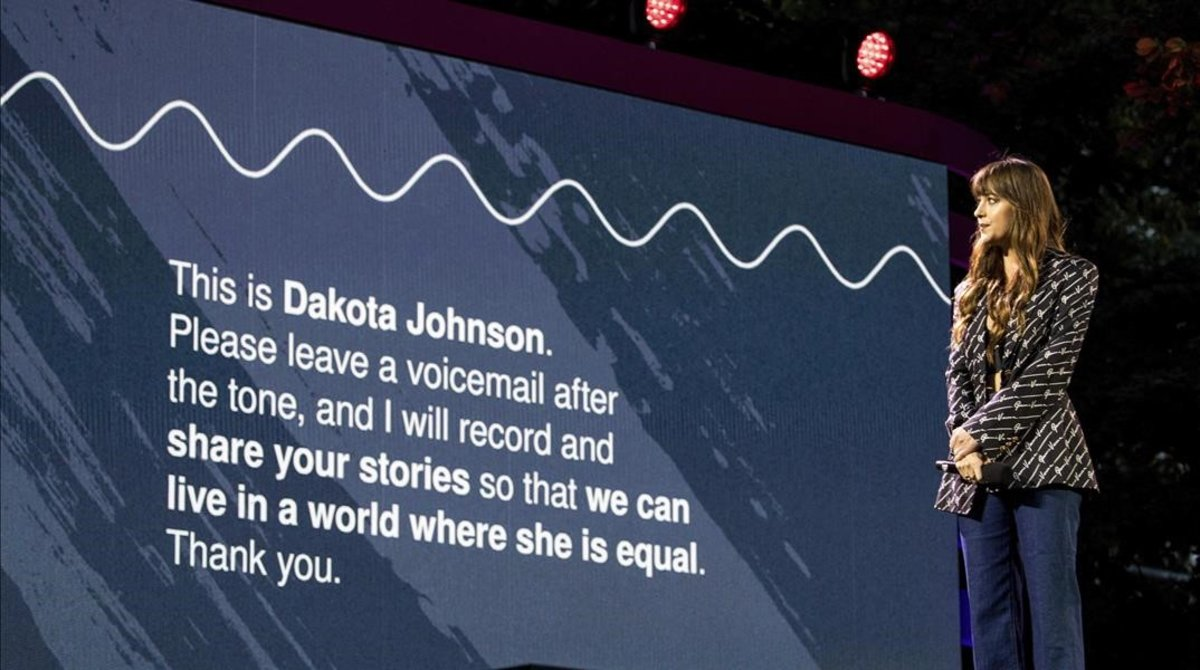 Dakota Johnson da voz a las víctimas de volencia de género