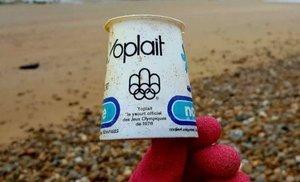 """El envase de yogur que permanece intacto desde 1976: """"¿Reflexionamos?"""""""