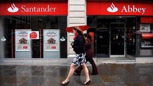 Sanción al Santander UK por deficiencias al procesar cuentas de clientes fallecidos