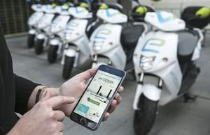 Els operadors de 'motosharing' s'indignen amb el repartiment de llicències