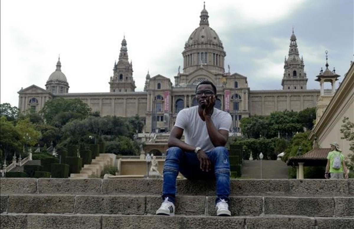 El joven camerunés, Jean Pierre Bell, en una imagen tomada este martes en Barcelona.