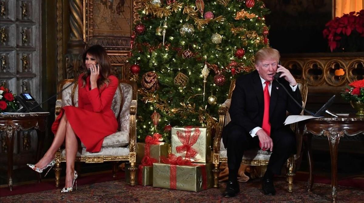 El presidente de EEUU, Donald Trump, y su esposa, Melania, en su club de Mar-a-Lago, en Florida.