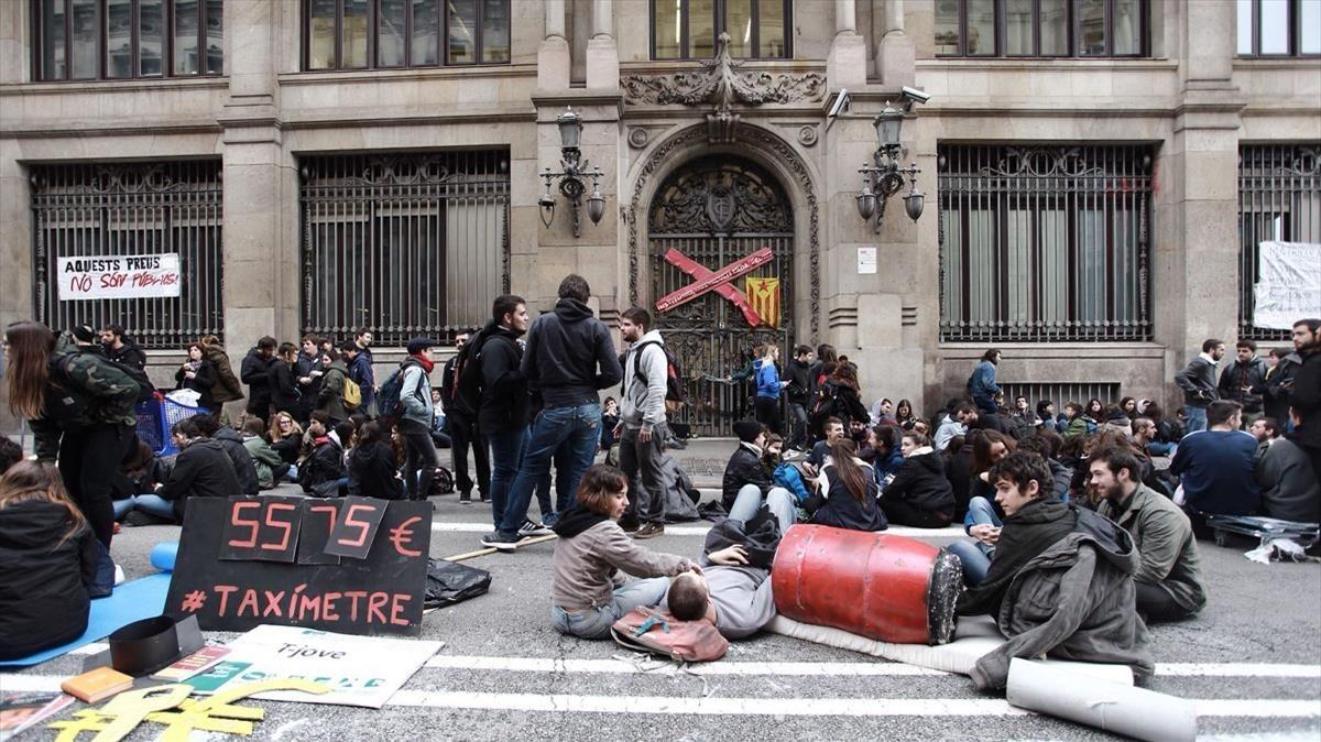 Protesta estudiantil a Barcelona per les taxes universitàries