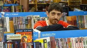 Emilio Bueso, en la librería Gigamesh.