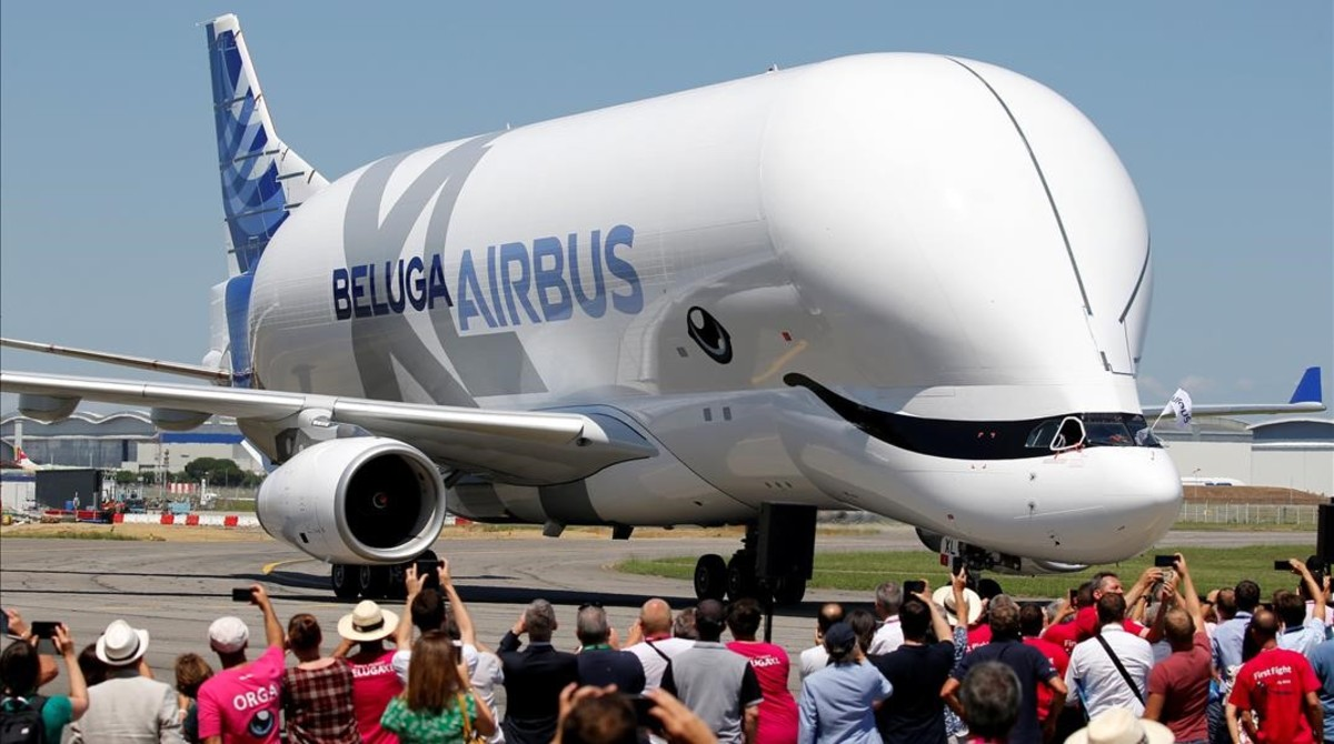 Avión Beluga de transporte de Reuters.