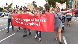 """Manifestació veïnal a Barcelona: """"Ja no és el turisme; ara és la por"""""""