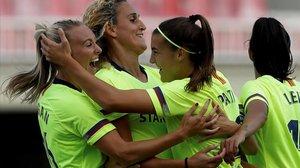 Las jugadoras del Barça celebran la victoria ante el BIIK Kaygurt que les dio el pase a octavos de final.