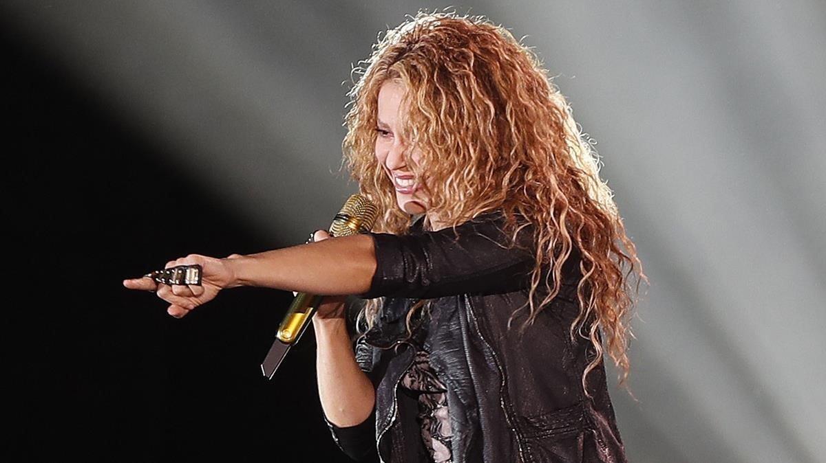 La fiscalia acusa Shakira de sis delictes de frau a Hisenda