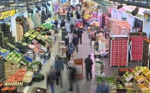 Mercado de frutas y hortalizas en Mercabarna.