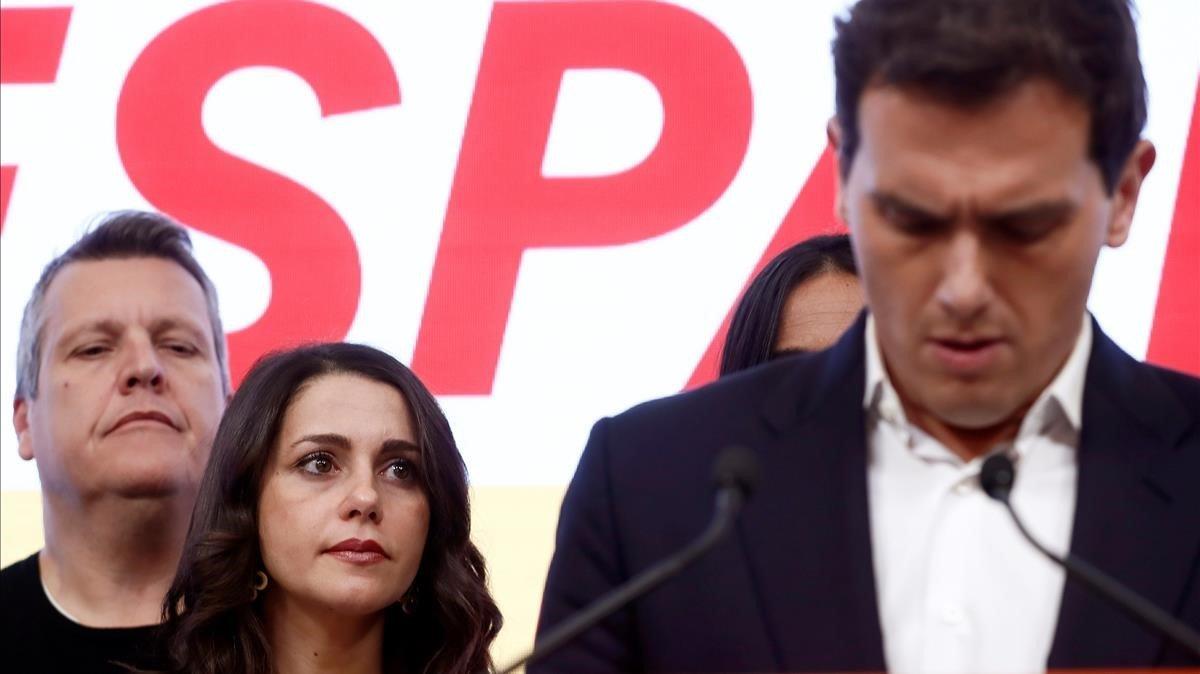 Inés Arrimadas, atenta al discurso de Albert Rivera.