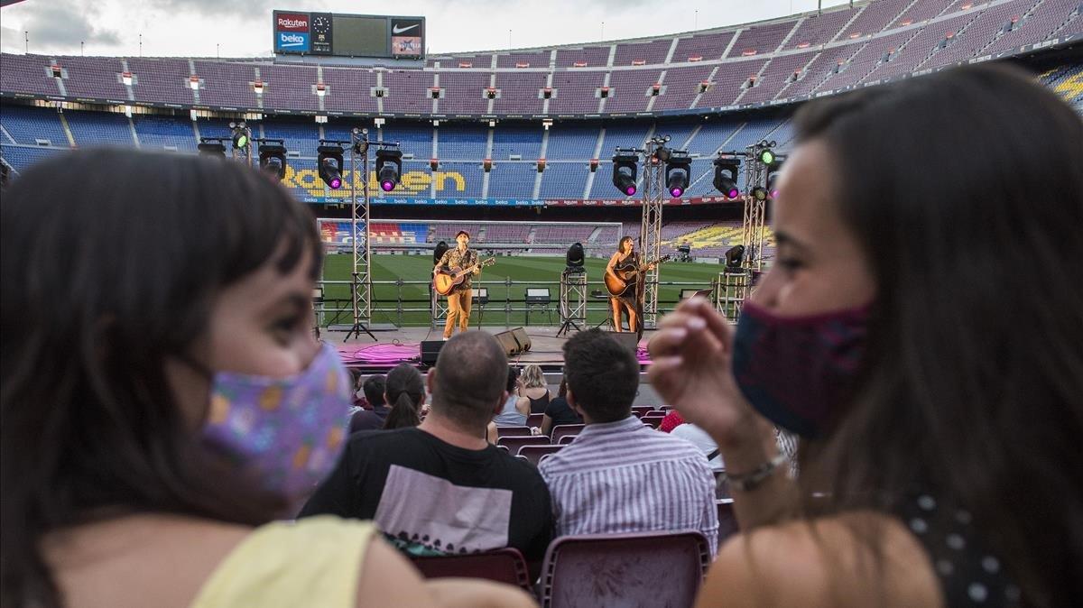 Barcelona multa 1.500 ciutadans per no utilitzar la mascareta aquest estiu