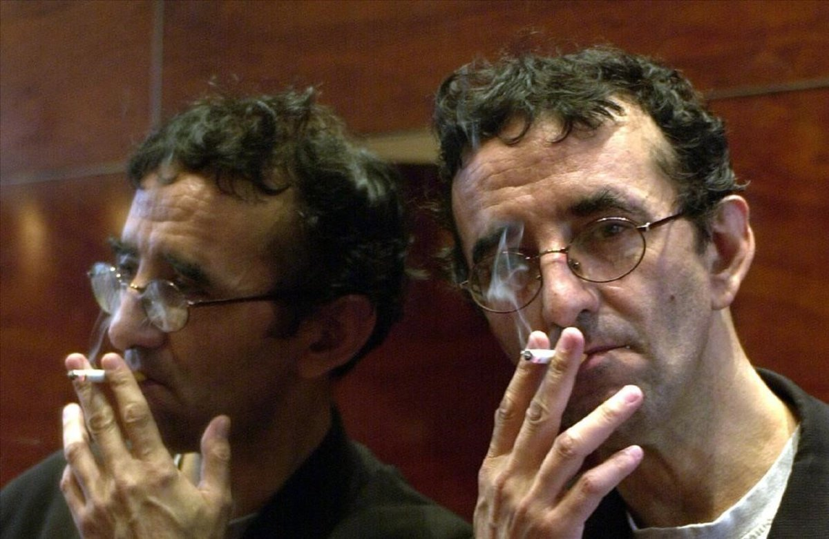 El escritor Roberto Bolano, en la presentacion de la nvoela Amberes, en Barcelona, en el 2002.