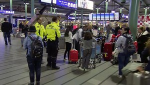 jjubierre33516761 this image made from a video from rtl shows passengers waiti171215172715