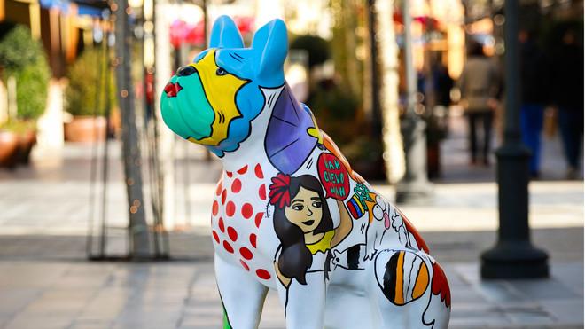 Pop dog, obra de Sharon Isabel Pineda Hernández, en la muestra de #LoveTheDogArt