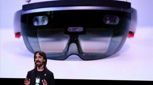 Alex Kipman, de Microsoft, presenta las HoloLens 2.
