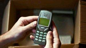 Un antiguo móvil.