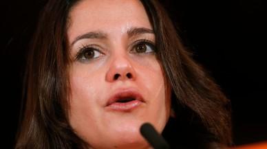 La oposición carga contra la candidatura de Puigdemont