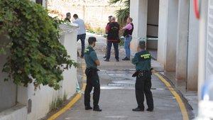 GRAF4064. TORROX (MÁLAGA) (ESPAÑA), 27/09/2018.- Vivienda de El Morche, núcleo de población de la localidad malagueña de Torrox, donde fue hallado el cadáver de una mujer de 44 años esta madrugada con heridas por arma blanca.EFE/Carlos Díaz