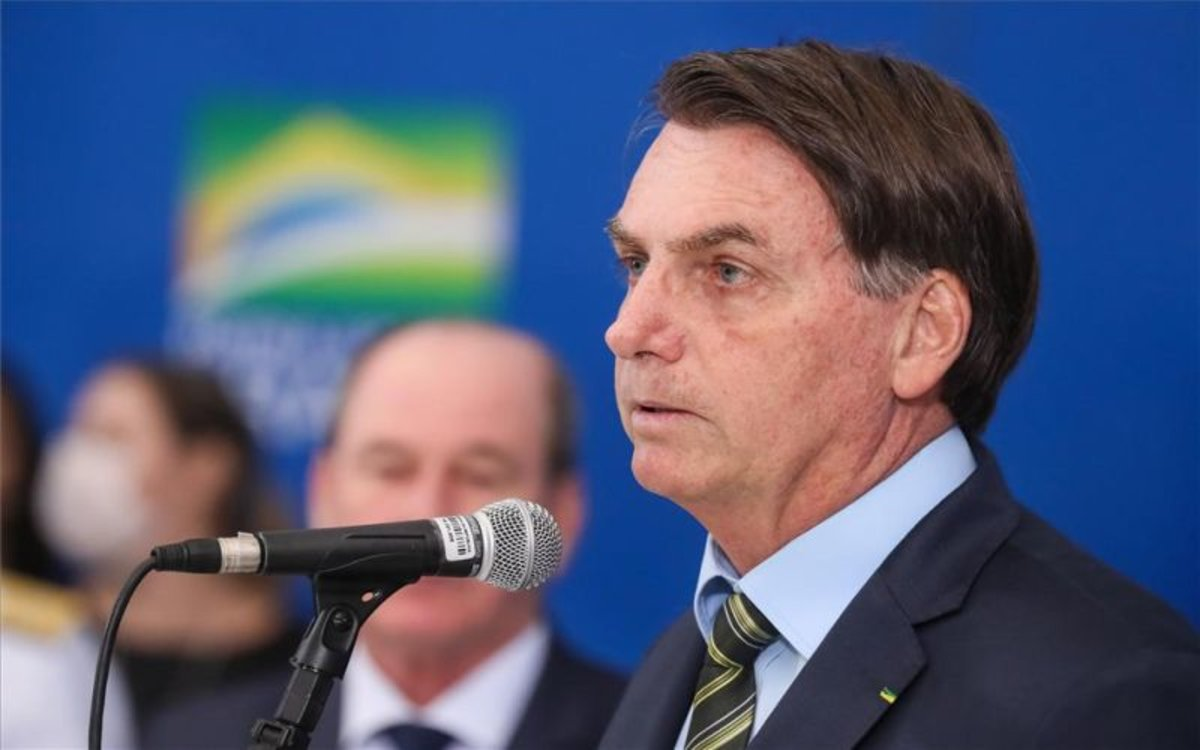 Facebook e Instagram borran videos de Bolsonaro por