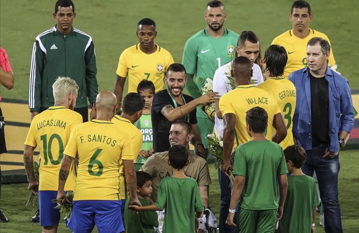 Brasil salió victorioso del partido homenaje al Cahpecoense.