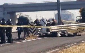 Dos de las víctimas halladas son mujeres, informó la Policía.