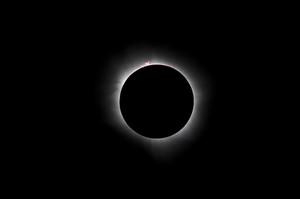 El eclipse solar captado en Indonesia el 9 de marzo de 2016.