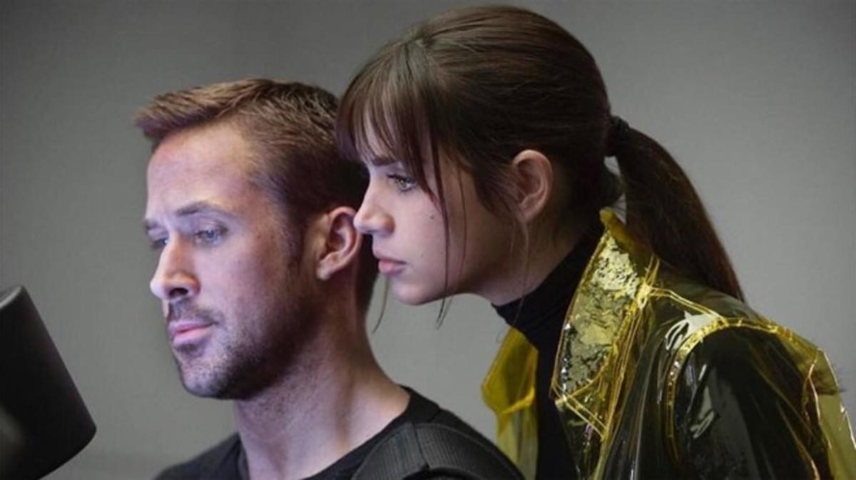 Ana de Armas y Ryan Gosling.