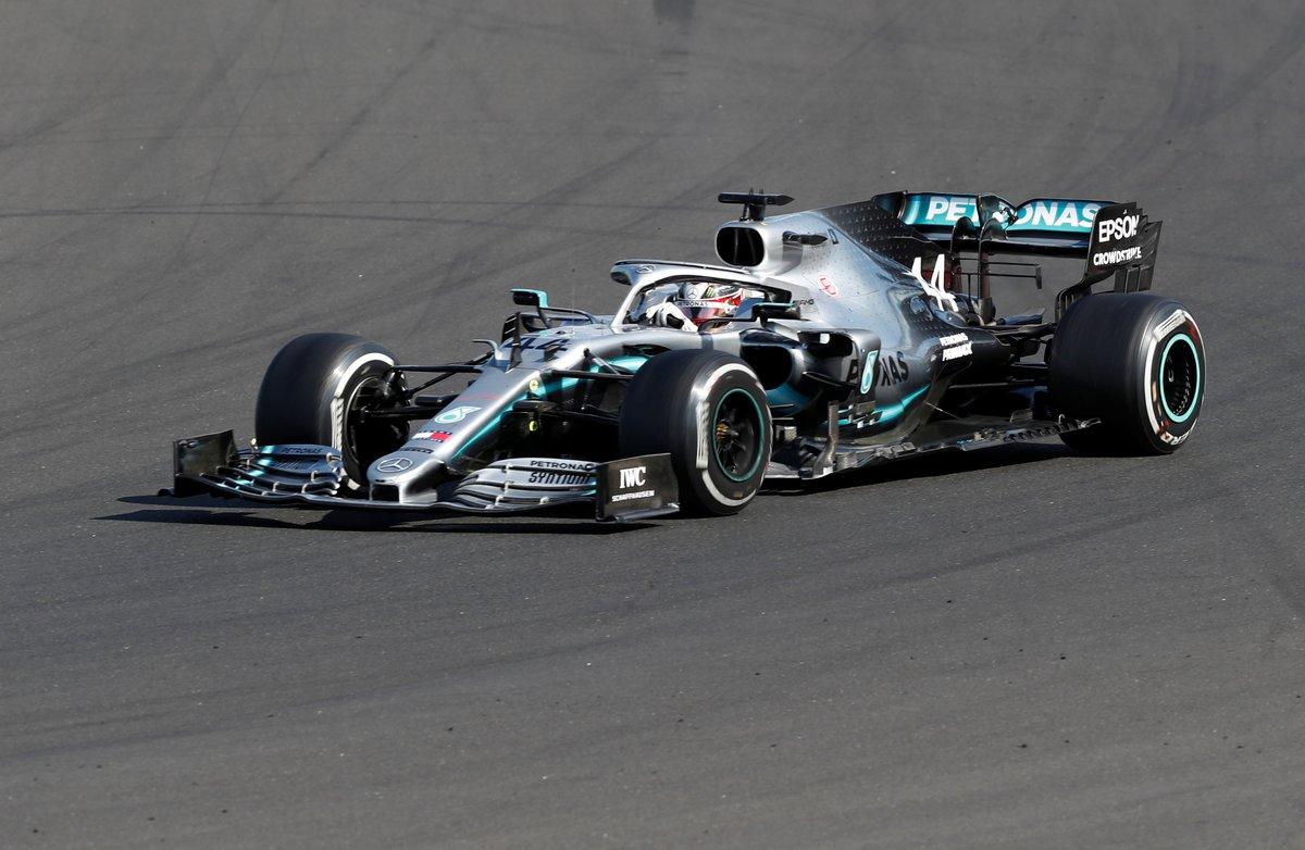 Lewis Hamilton, en plena conducción.